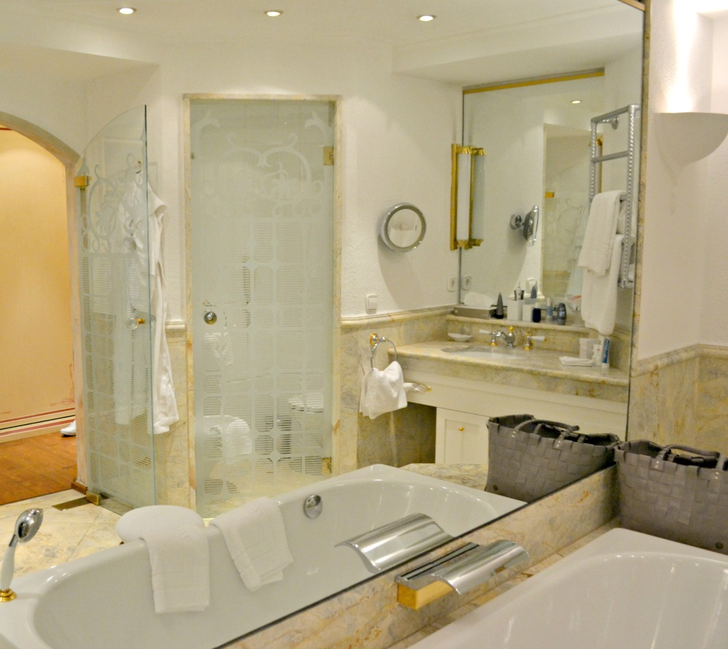 https_www_sylvislifestyle_com_posthotel_achenkirch_badezimmer