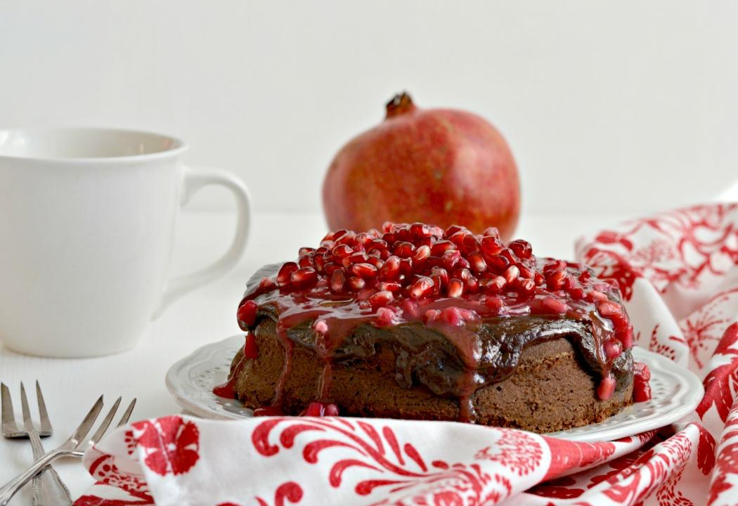 rezept schokoladiger kaffeekuchen mit granatapfelsauce melitta. Black Bedroom Furniture Sets. Home Design Ideas