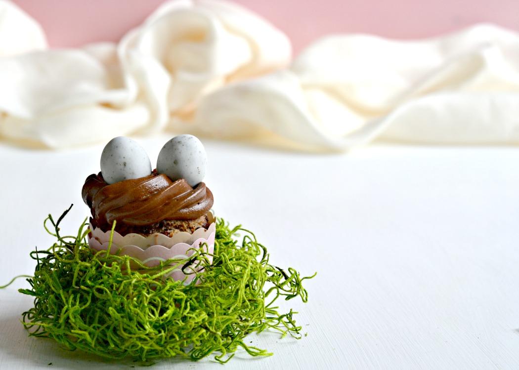 rezept_ostern_vegane_bananen-schoko-cupcakes_feinstoff_beitrag